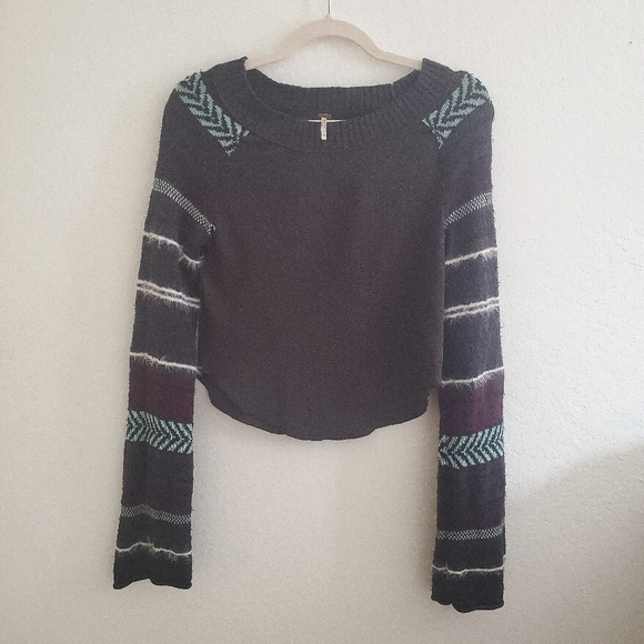 Free People Tops - FREE PEOPLE  Crop Long Knit Sleeve Size XS